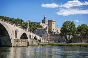 https://www.tantrissime.com/wp-content/uploads/2021/01/Avignon-371x248.jpg