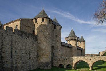 https://www.tantrissime.com/wp-content/uploads/2021/07/carcassonne-371x248.jpg
